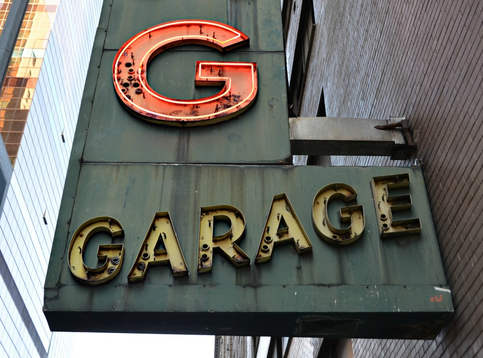 GARAGE ©
