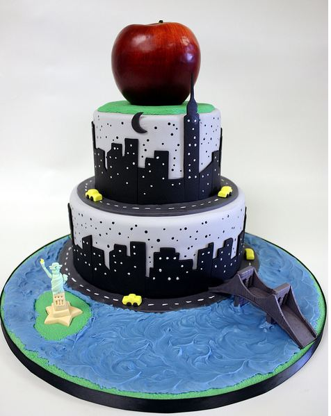 1a New York Theme Big Apple Cake With Statue Of Liberty